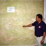 不発弾の分布状況を説明するカンペット所長